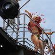 Claudia Leitte celebra 10 anos de carreira em bloco de Carnaval em SP: 'Festa'