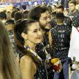 Fátima Bernardes curte Carnaval em camarote na Sapucaí