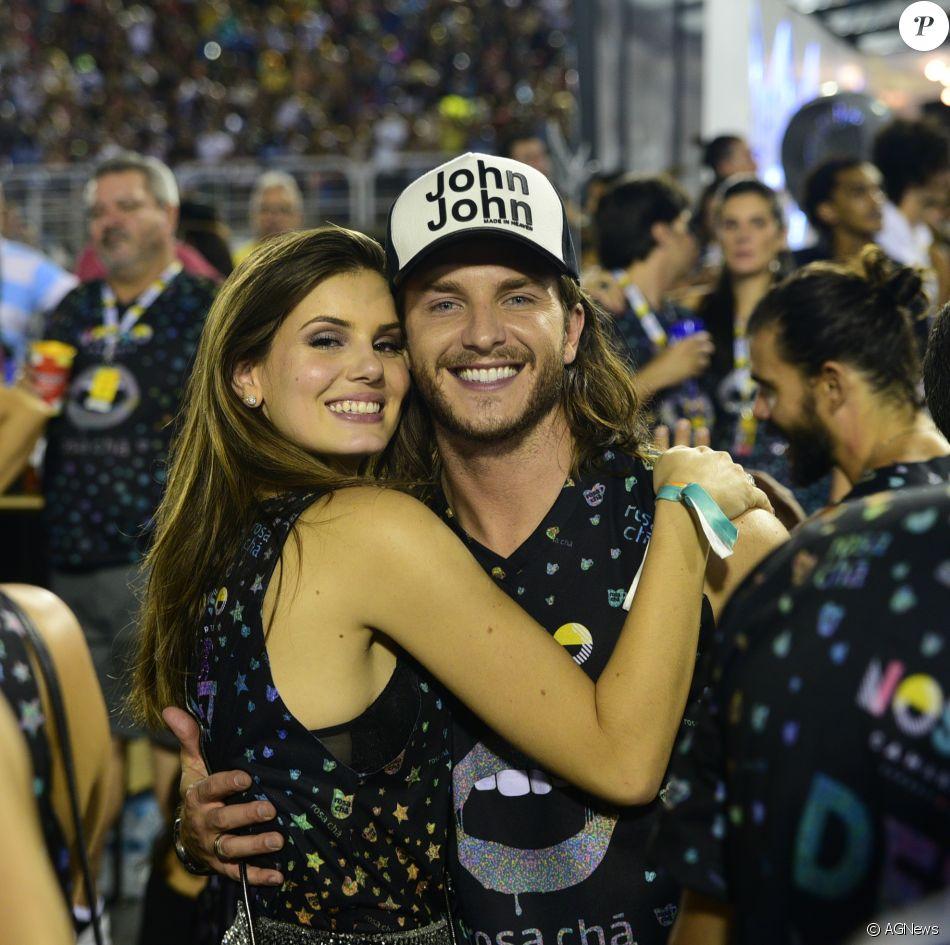 Camila Queiroz e Klebber Toledo querem cerimônia simples, como indicaram em entrevista ao jornal 'O Globo' neste domingo, dia 18 de fevereiro de 2018