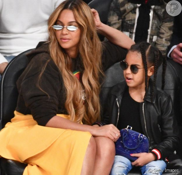 Beyoncé levou a filha, Blue Ivy, para um jogo de basquete da All-Star Game da NBA, Staples Center, em Los Angeles, no domingo, 18 de fevereiro de 2018
