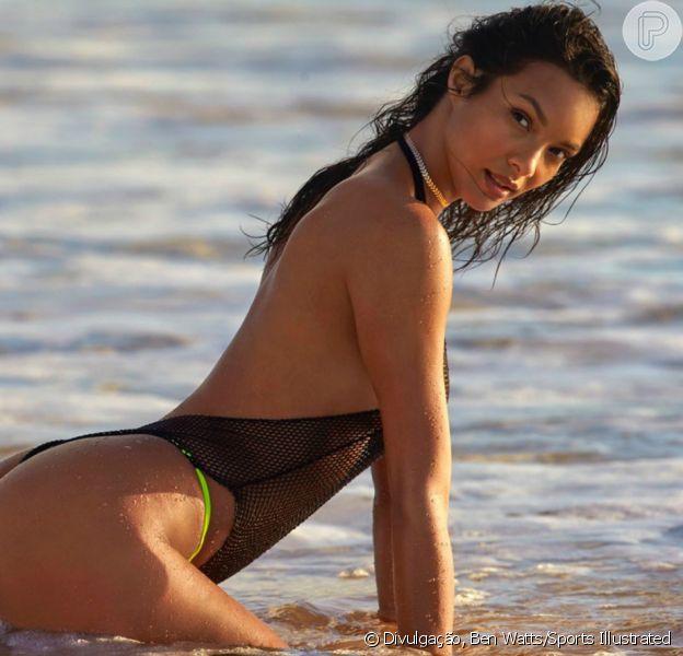 Lais Ribeiro estrela fotos sensuais para calendário divulgadas nesta segunda-feira, dia 19 de fevereiro de 2018