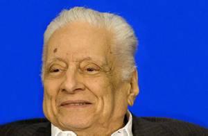 Morre, aos 92 anos, o humorista e redator Max Nunes, após fraturar a tíbia