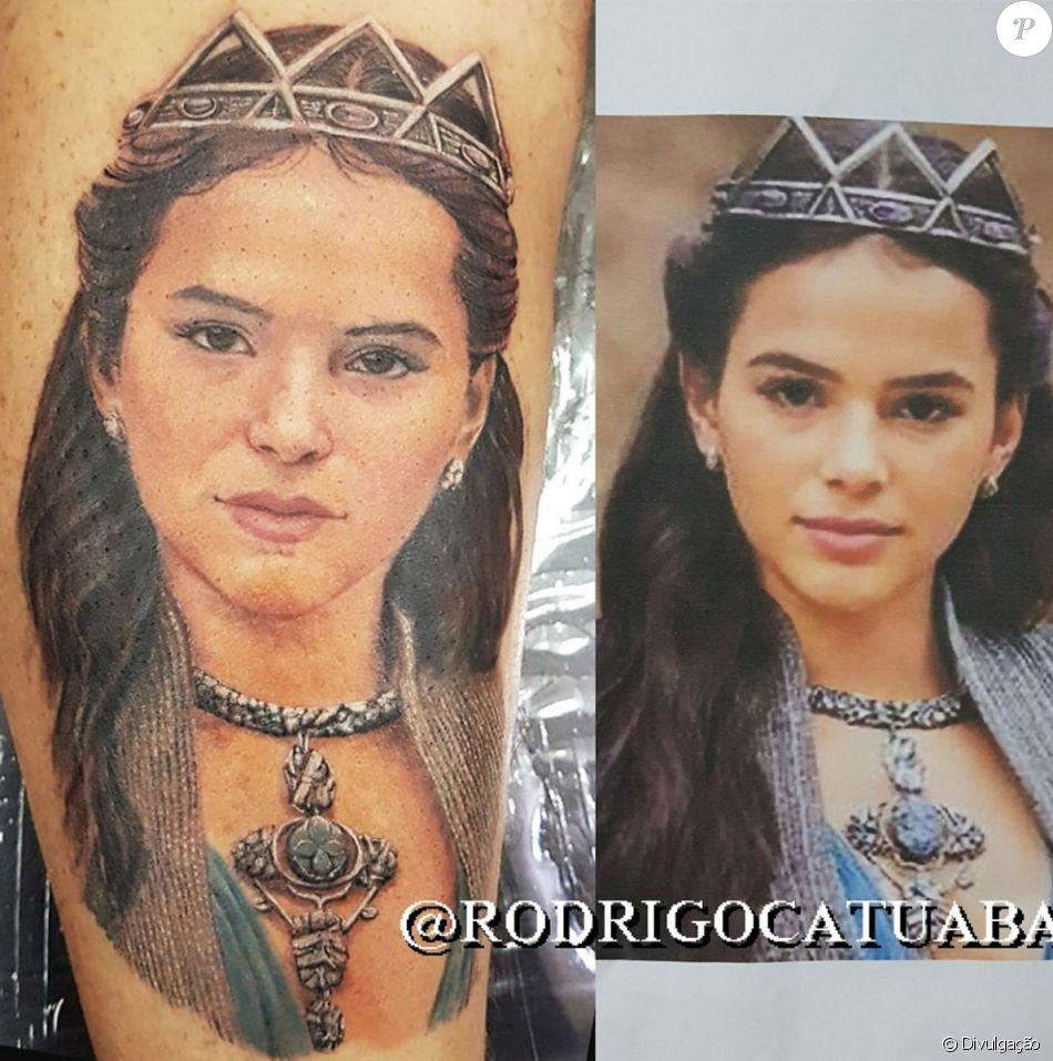 Tatuagem de Bruna Marquezine em fã demorou nove horas para ficar pronta