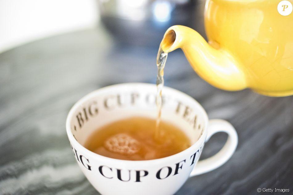 A nutricionista Patricia Davidson indicou que os chás de Cavalinha, Lótus e Erva-Cidreira são ótimas opções para mulheres de 40 a 50 anos