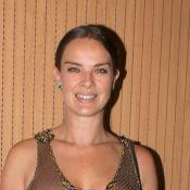 Leticia Birkheuer aposta em transparência e deixa lingerie à mostra. Fotos!