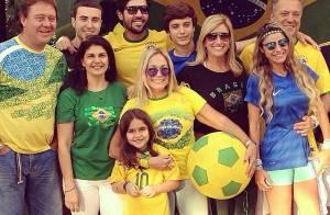 Susana Vieira assiste a jogo do Brasil ao lado de Sandro Pedroso e ex-marido