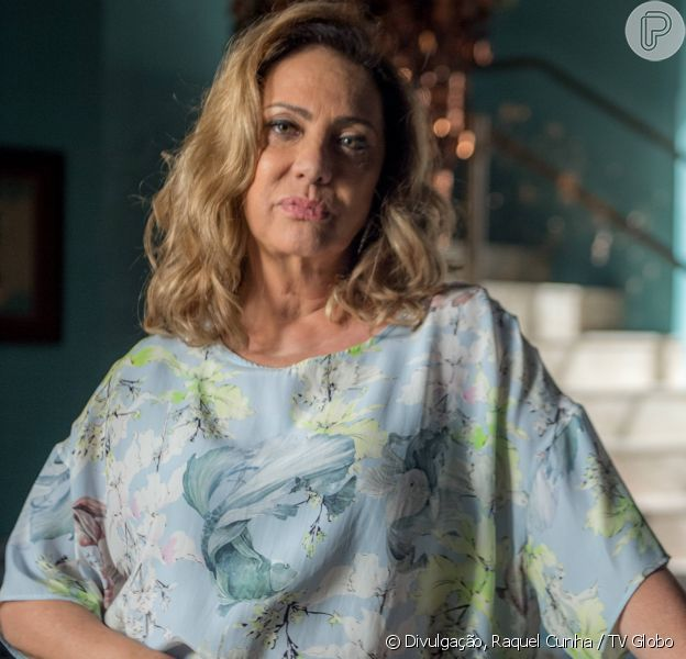 Nádia (Eliane Giardini) se recusa a aceitar filho negro de Diego (Arthur Aguiar) e Karina (Malu Rodrigues), na novela 'O Outro Lado do Paraíso'