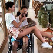 Bruna Marquezine mostra apoio ao namorado, Neymar: 'Já já você está 100%'
