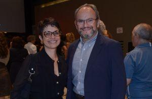 Sandra Annenberg e Ernesto Paglia prestigiam show da turnê de Chico Buarque