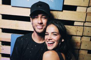Bruna Marquezine embarca em jatinho com namorado, Neymar, após jogador ter alta