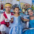 Filha de Naldo Benny e Ellen Cardoso ganhou uma festa temática de princesas na cidade do Rio de Janeiro