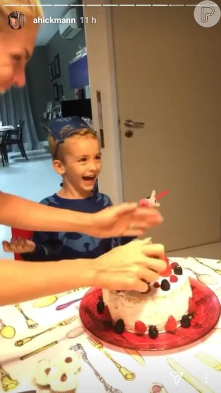b5056a5e4505b Filho de Ana Hickmann comemora 4 anos com festa reservada   Gato . Vídeo! -  Purepeople