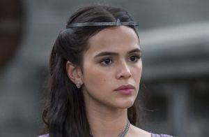 'Deus Salve o Rei': apresentada como nova rainha, Catarina leva tomatada e vaias