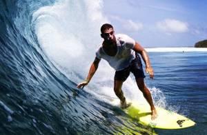 Cauã Reymond passa férias nas Ilhas Maldivas: 'Mais um belo dia de onda'