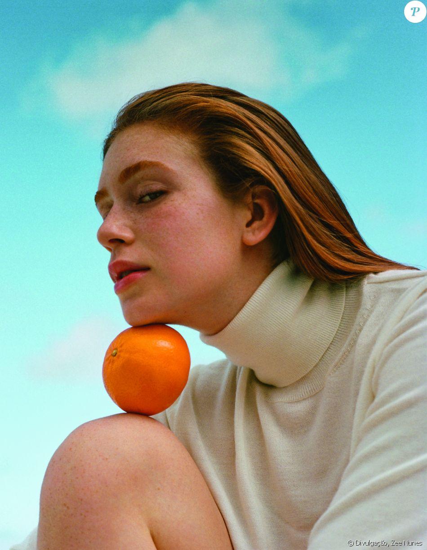 Capa da  Vogue Brasil , Marina Ruy Barbosa acha inspiradores os protestos  feitos por atrizes internacionais 0780d68fac