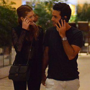 Marido Marina. Foto do site da Pure People que mostra Marina Ruy Barbosa ganha carinho do marido, Xande Negrão, em shopping. Fotos!