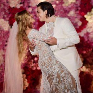 Mostra Mais. Foto do site da Pure People que mostra Luísa Sonza mostra votos de casamento com Whindersson Nunes: 'Dia mais feliz'