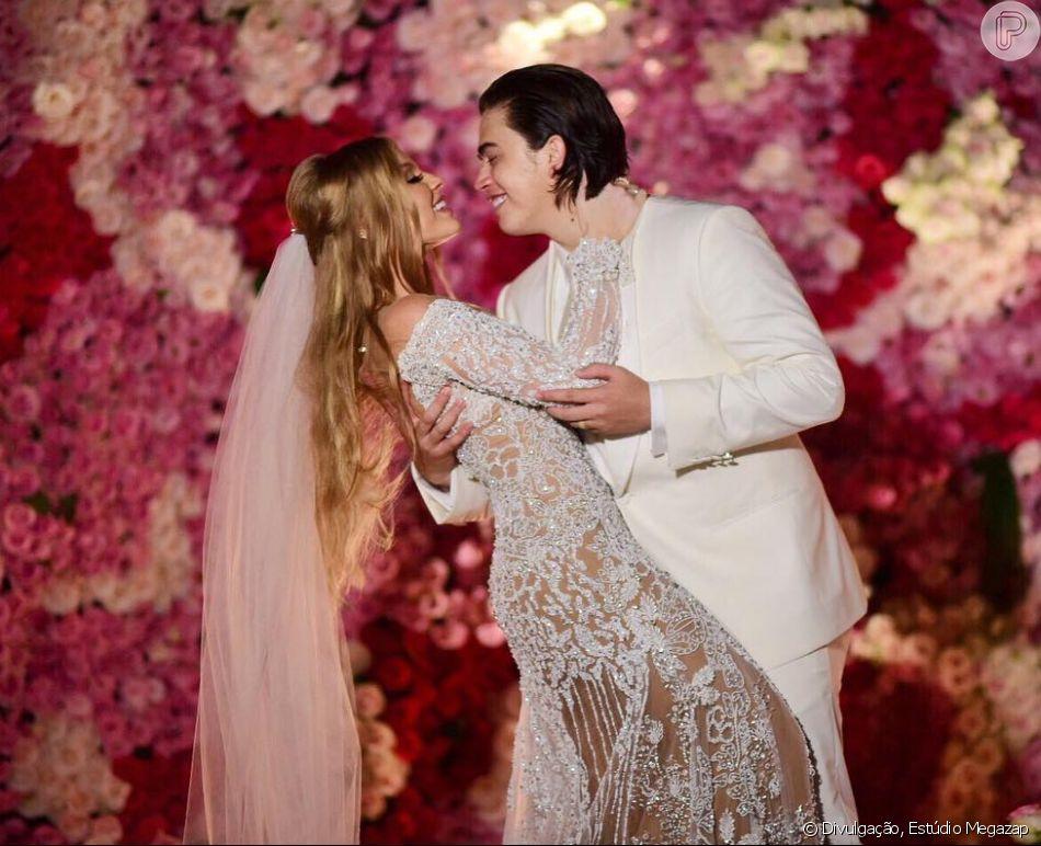 Luísa Sonza mostrou o momento dos votos do casamento com Whindersson Nunes em vídeo publicado no YouTube nesta terça-feira, 13 de março de 2018