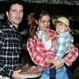 Mulher de Daniel de Oliveira, Sophie Charlotte colocou a mão na massa e fez um bolo para o filho