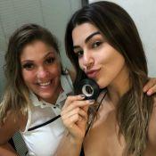 Vivian Amorim valoriza bronzeamento com fita isolante: 'Pele mais dourada'
