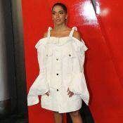 Anitta usa vestido oversized da grife Opening Ceremony em lançamento de série