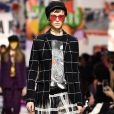 Christian Dior traz tendência do xadrez em peças com transparência para o inverno 2018