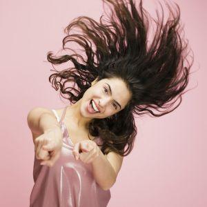 Saiba. Foto do site da Pure People que mostra Pósverão: saiba como recuperar o cabelo dos estragos provocados pela estação