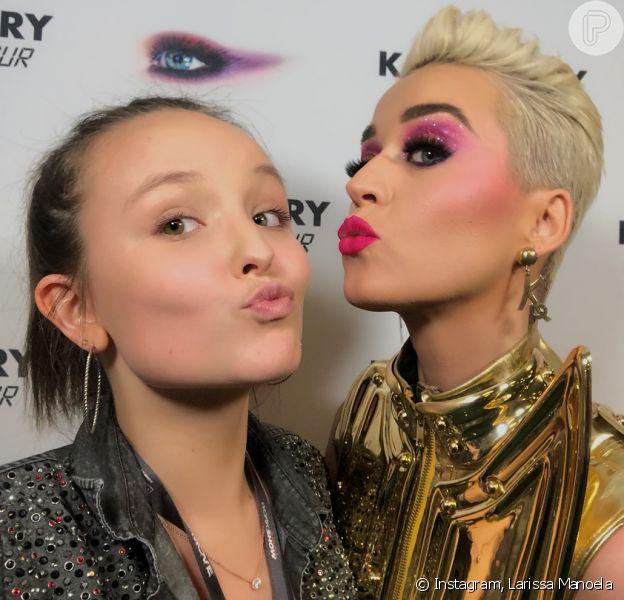 Larissa Manoela tietou a cantora norte-americana Katy Perry antes da apresentação da 'Witness Tour', no Allianz Parque, em São Paulo, neste sábado, 17 de março de 2018