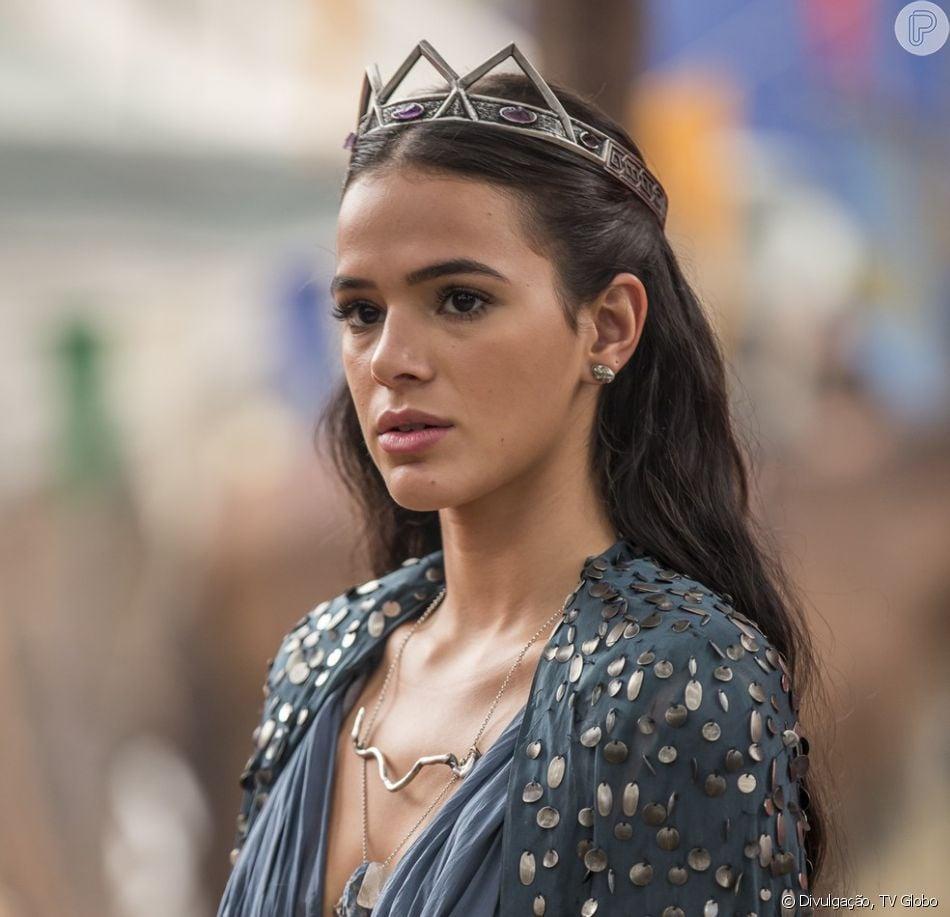 be22b7f93b8 Bruna Marquezine vai apareceu nos próximos capítulos da novela  Deus Salve  o Rei  com