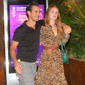Marina Ruy Barbosa usa vestido animal print em jantar com o marido, Xande Negrão