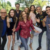 Monica Iozzi chora e dá selinho em Sophia Abrahão no aniversário do 'Vídeo Show'