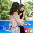 'Vamos nos beijar? Para acabar o programa? Amor e gratidão!', disse Sophia Abrahão para Monica Iozzi ao vivo