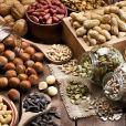 'Estes antioxidantes auxiliam no combate a radicais livres e redução de edema', explica Patricia Davidson, que lista oleaginosas e sementes no grupo