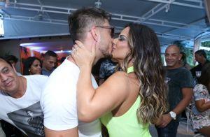 Viviane Araújo recebe o novo namorado em festa de aniversário de 43 anos, no Rio