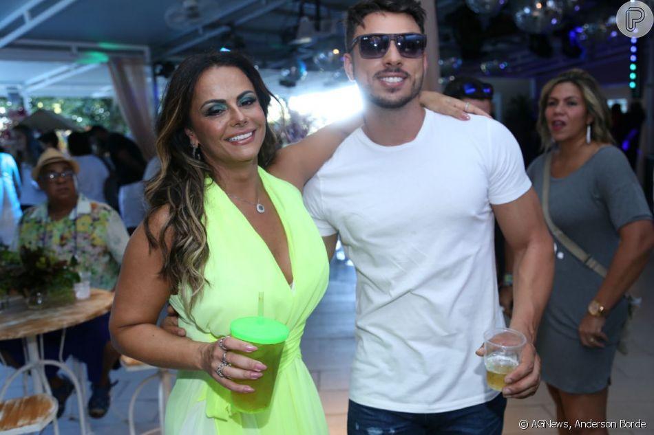 Viviane Araújo se declara nas redes sociais: