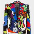 O blazer estampado da Versace é vendido pela grife italiana a $ 3.075,  cerca de R$ 10.250