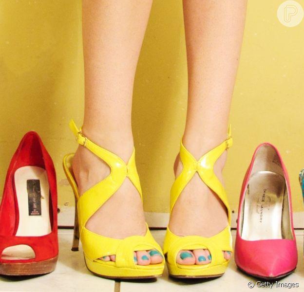 Rasteirinha, tênis ou sapatilhas? Saiba qual calçado é mais confortável para os pés!