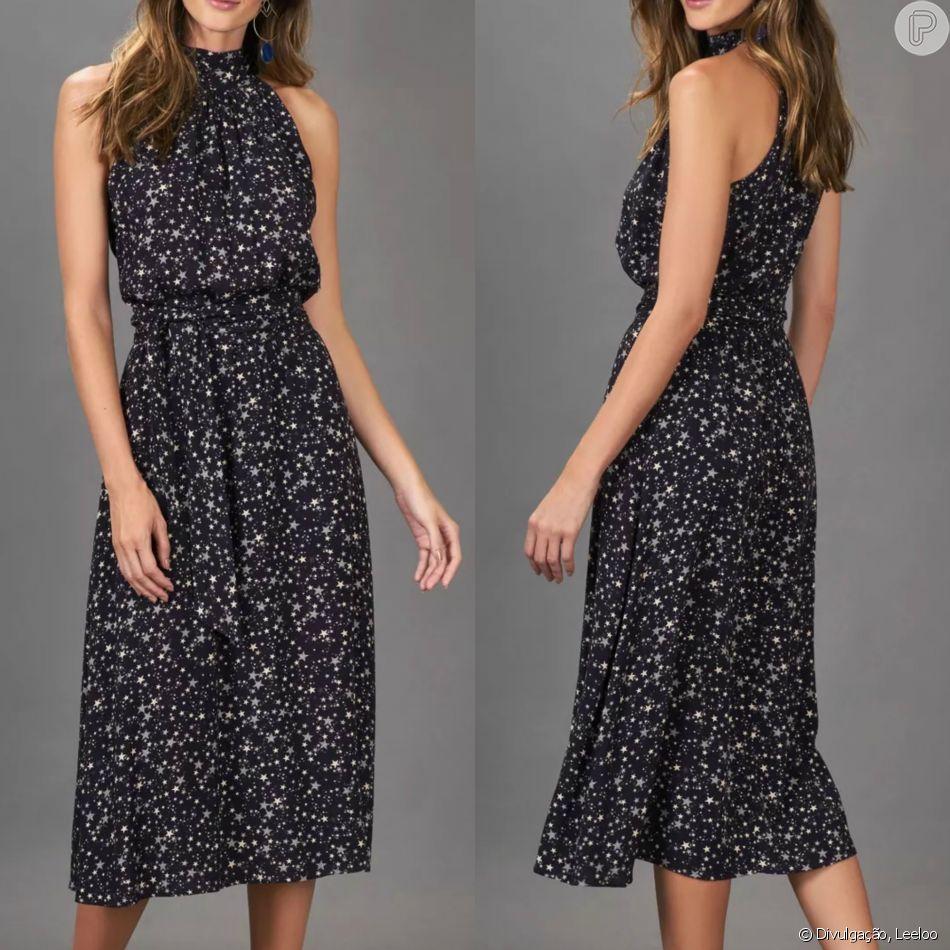 4f61bb885 O vestido estrelado midi da Leeloo e tem elegância garantida pelo modelo  acinturado com faixa e