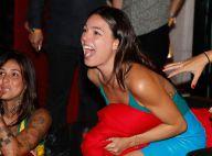 Isis Valverde grita em jogo do Brasil e depois comemora dançando em evento no RJ