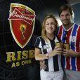 Adriana Esteves vai com o marido, Vladimir Brichta, assistir ao jogo da França e Equador no Maracanã, no Rio