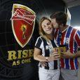 Adriana Esteves confere partida entre França e Equador no Maracanã, no Rio, e participa de evento de cervejaria