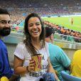 Humorista Miá Mello confere jogo da França e Equador no Maracanã, no Rio