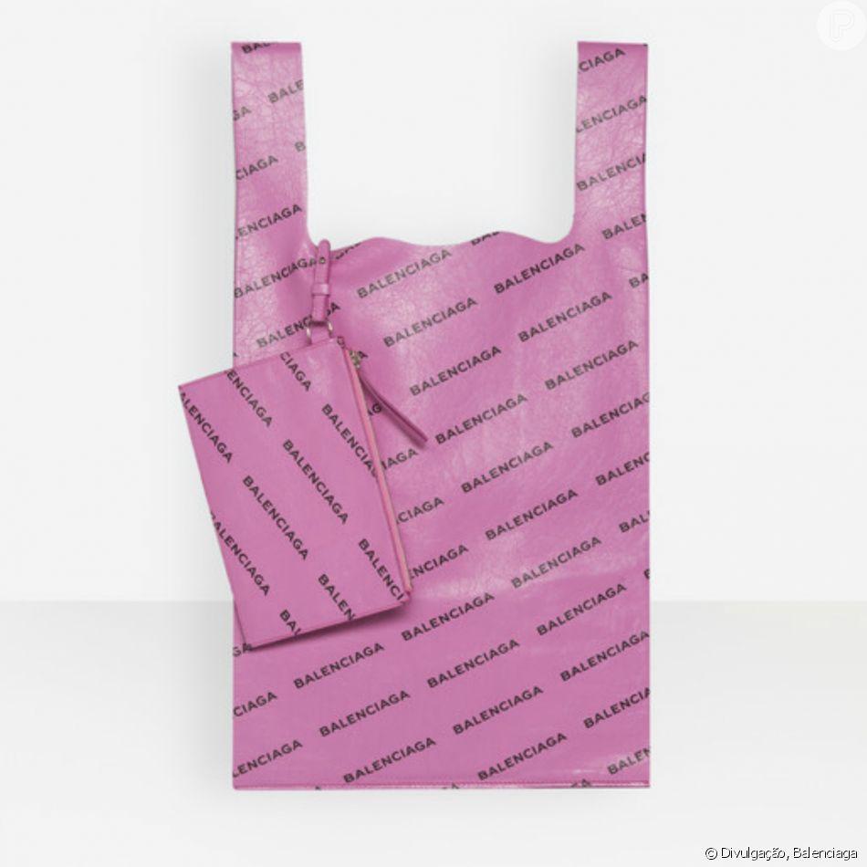 0e5befe3f As bolsas da Balenciaga são feitas de plástico por fora, mas com interior  revestido em
