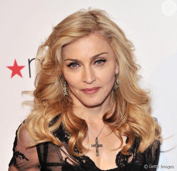 Madonna agitou as redes sociais neste sábado, 14 de abril de 2017, ao publicar um vídeo de sua filha dançando a música 'Indecente', de Anitta