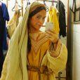 Carla Diaz pintou os cabelos de preto para a série 'Os Milagres de Jesus'