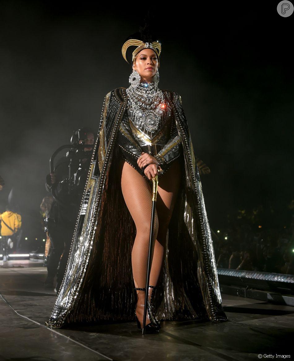 Beyoncé faz performance história no Coachella 2018: ' Obrigada por me deixarem ser a primeira mulher negra como atração principal '