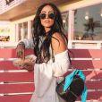 Jade Seba apostou em um look branco fluído para ir ao Coachella 2018