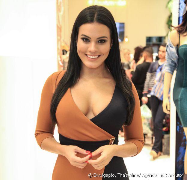 Leticia Lima participou de evento de moda nesta segunda-feira, 16 de abril de 2018