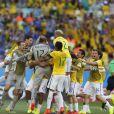 Jogadores da Seleção Brasileira comemoram vitória sufocante contra o Chile