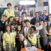 Elenco de 'Carrossel' chora ao encerrar gravações no cenário da Escola Mundial
